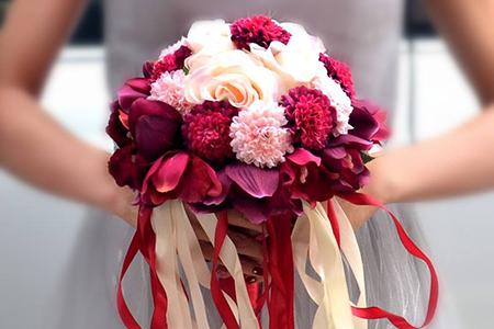 婚礼如花般绚烂,新郎新娘都需要哪些有讲究的花儿