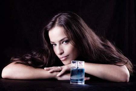 女人用香水三个常识要知道,别闹笑话才好