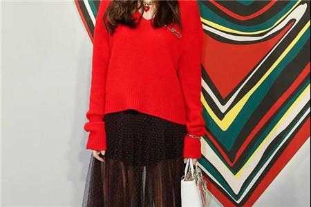 章子怡绝美艳红色半裙,带来开春新时尚