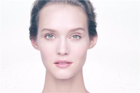 女孩想要的嫩滑肌肤,如何缩小毛孔是关键