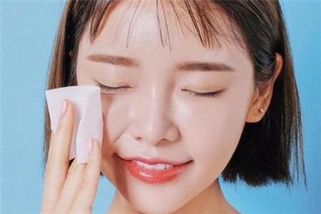 毛孔堵塞导致频繁长痘,女生收缩毛孔的小诀窍