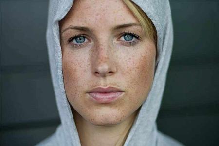 黑眼圈降低颜值,教你化妆遮挡的方法