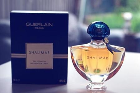 妇女节送给自己最好的礼物,是一瓶经典女士香水