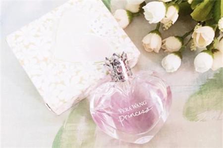 少女香水清爽迷人,春天最甜美的一款香型