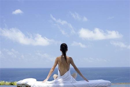 初学瑜伽应该准备什么?这些装备让你事半功倍