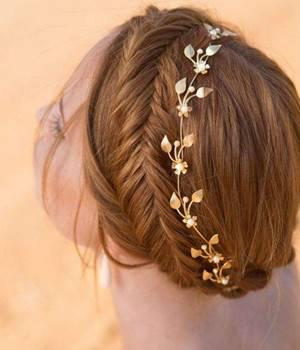 仙气十足的浪漫编发,精美发饰让女孩气质更脱俗